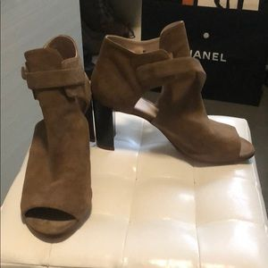 Stuart Weitzman suede tan boots shoes